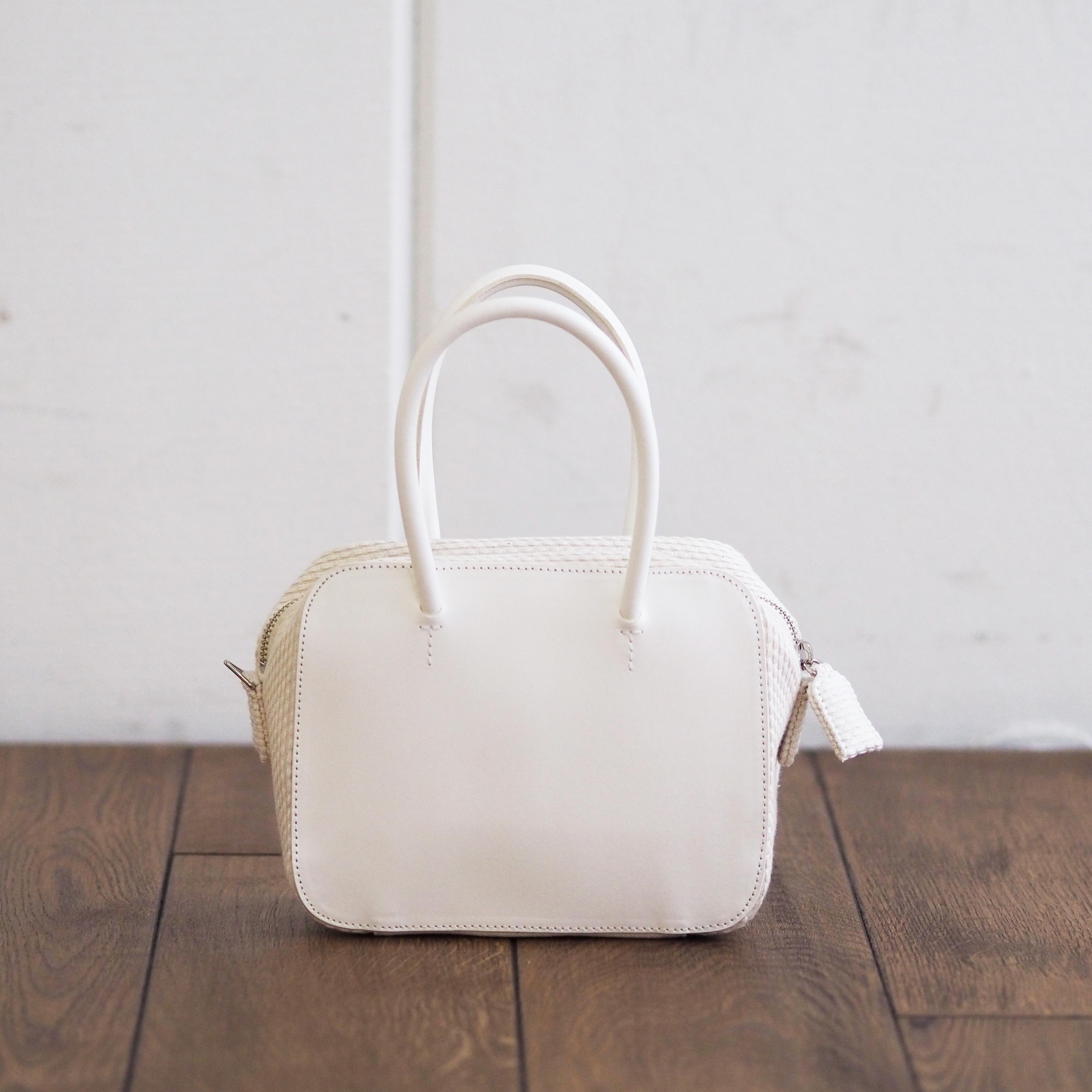 N°82 Square Zip bag S