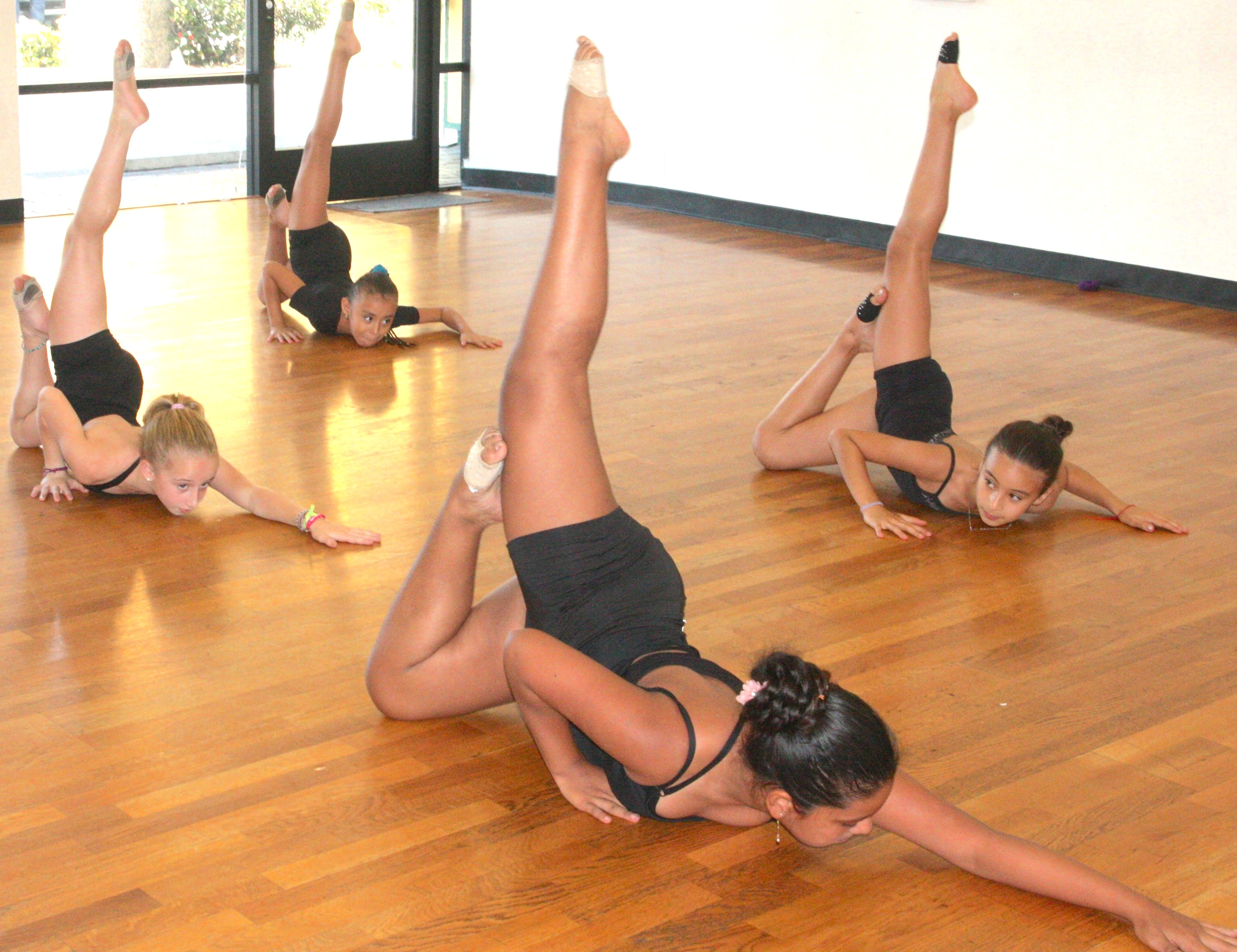 Contemporary (ages 8-11) w/ Kim