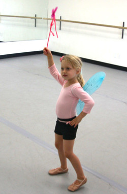 Ballet (5-7) w/ Tess