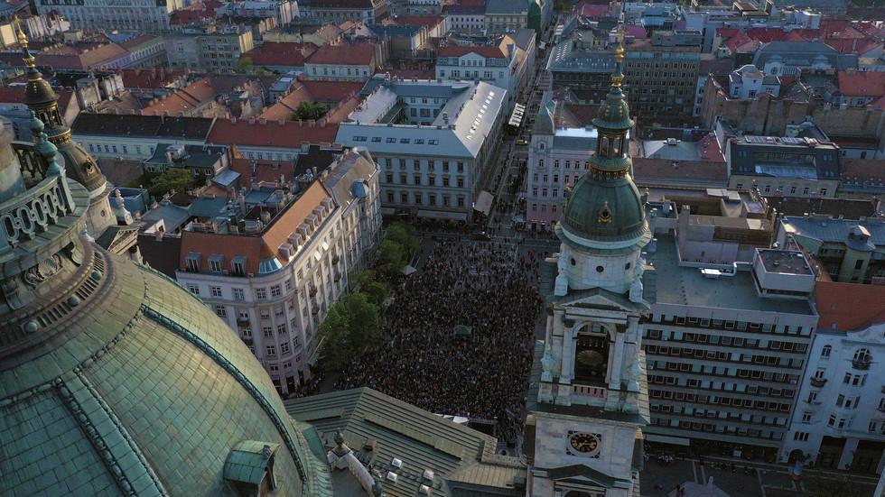 Будапешт-площадь_концерт Хора Турецкого.
