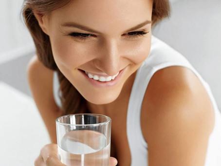 Nawilżanie skóry: prosta recepta na urodę