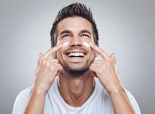 Seria BE FIRST przeznaczona do pielęgnacji skóry męskiej