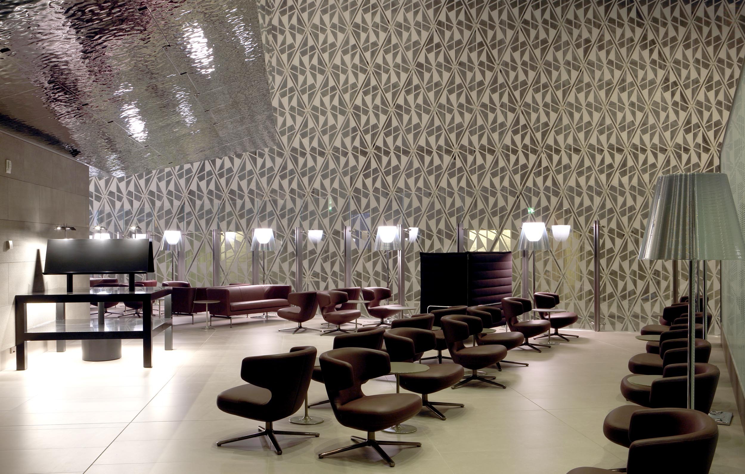 BUSINESS-LOUNGE1