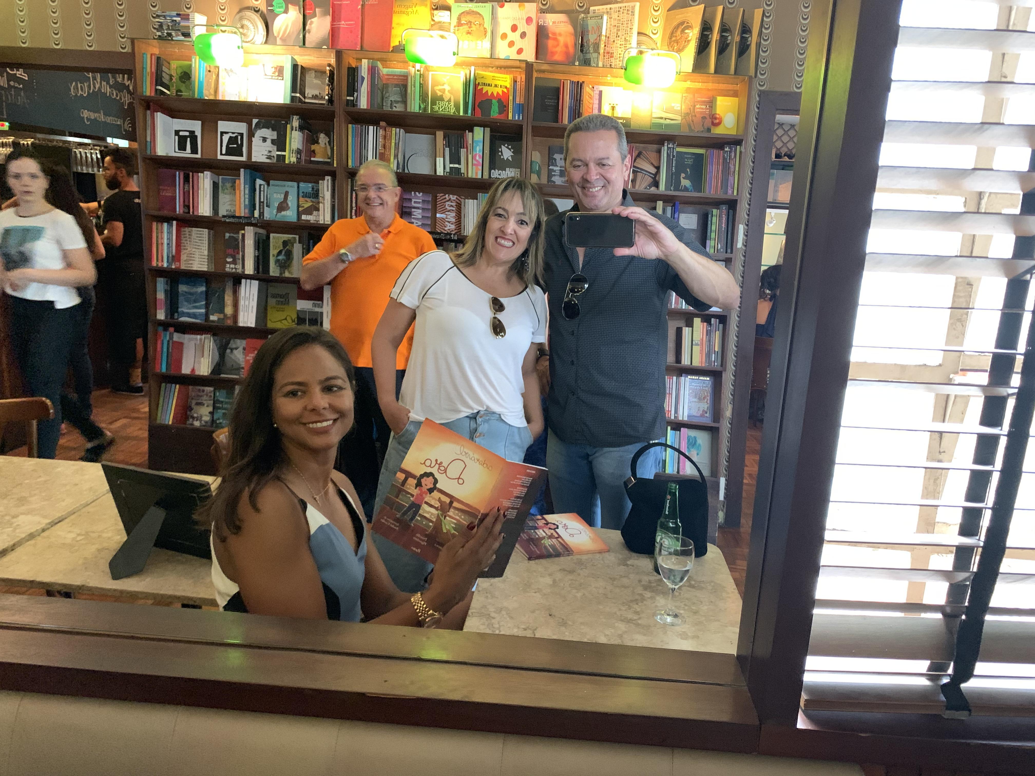 Lançamento do Livro em Belo Horizonte em 24-10-19 no Café Com Letras