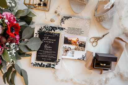 details, invitation, shoes, flowers, wedding day