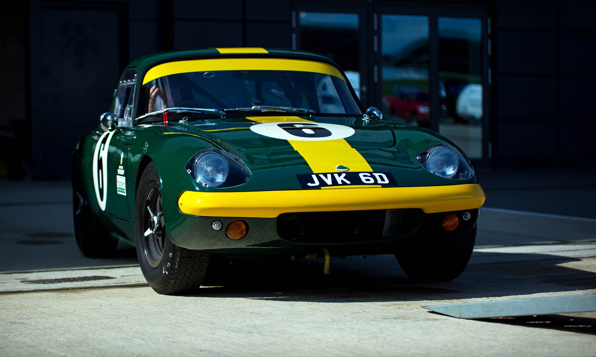Lotus Elan at the 2018 Silverstone Classic Preview Day 1MB.jpg