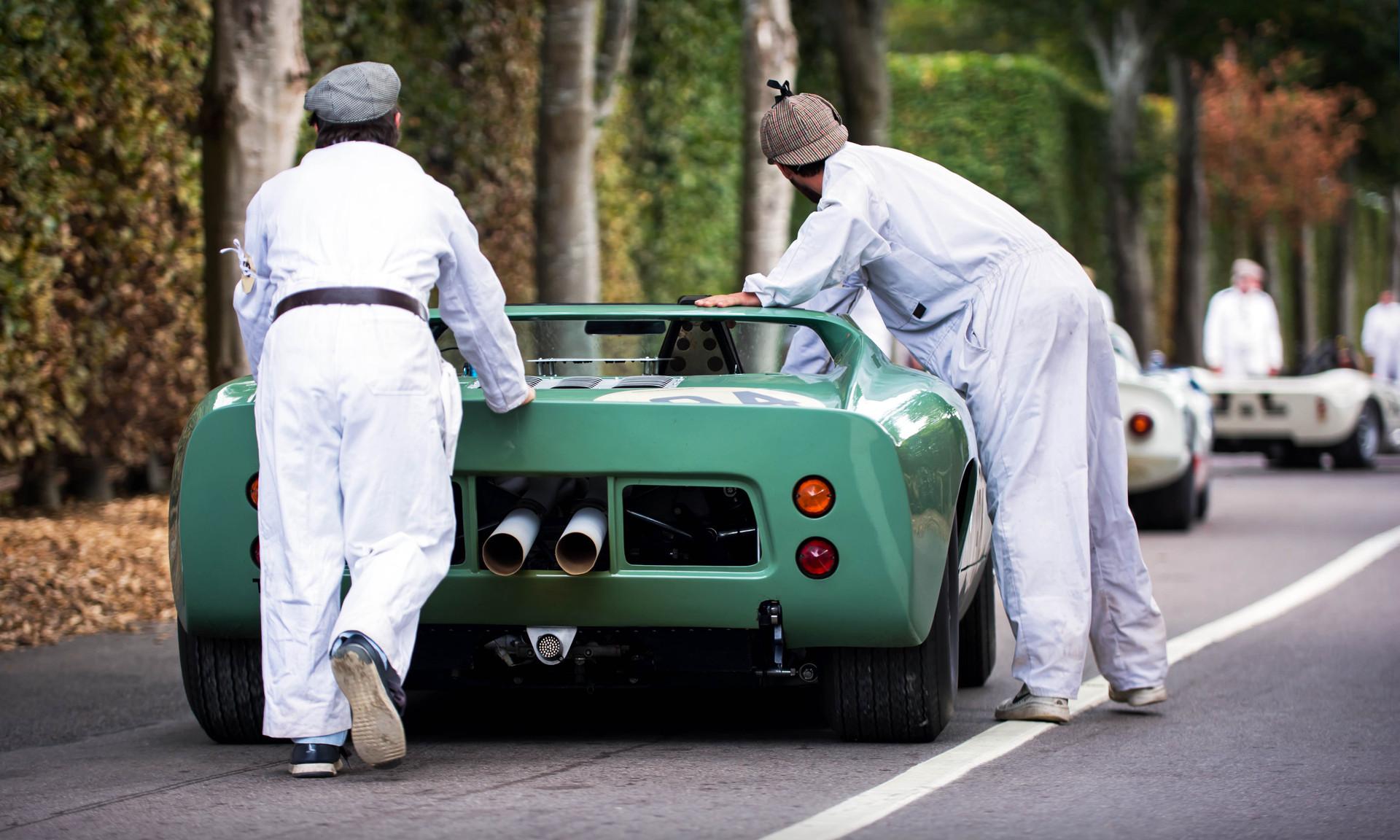 Rui Macedo Silva's 1965 Ford GT Roadster