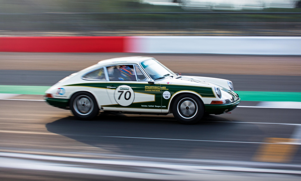 Richard Attwood & Tom Bradshaw's 1965 Porsche 911