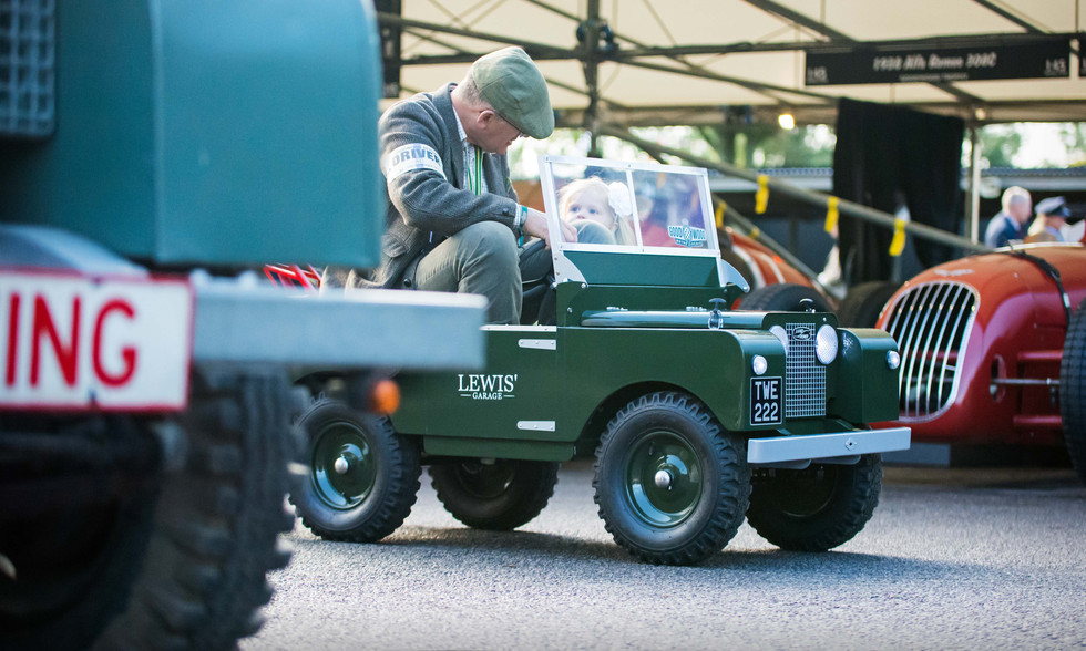 Big & Little Land Rovers at the 2017 Goodwood Revival
