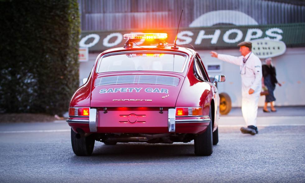 Fuer ihre Sicherheit... Porsche 911 Safety Car
