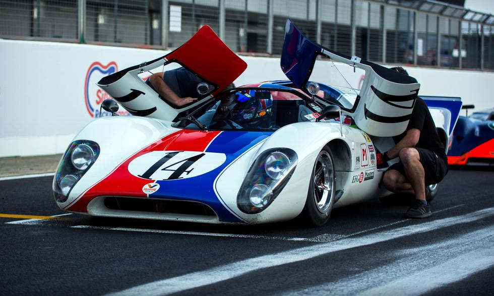 Oliver & Grahame Bryant's 1969 Lola T70 Mk3