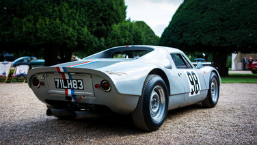 porsche 904 gts at the hampton court concours