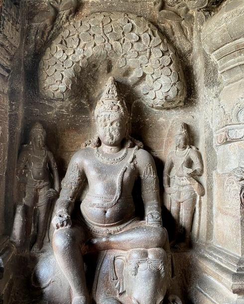 Hindu art - Ellora caves