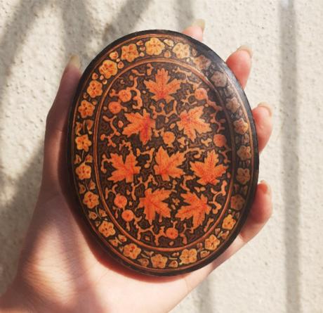 Kashmiri handicraft - Chinar tree motif used in paper mache