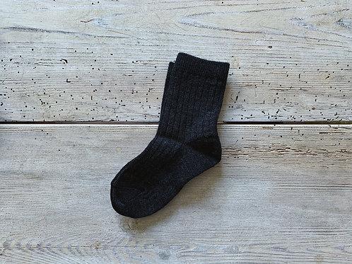 Strumpor ribbstickade mörkgrå | MP Denmark