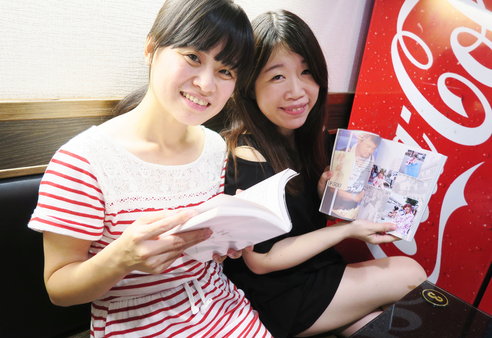 The Heroines show their favorate pages of【WH. Diary】