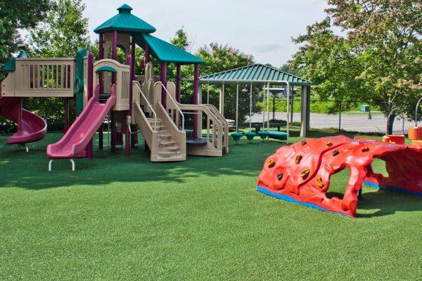 synthetic-turf-tee-playground.jpg