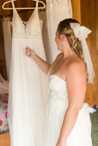 liz-cowie-photography-getting-ready-158.