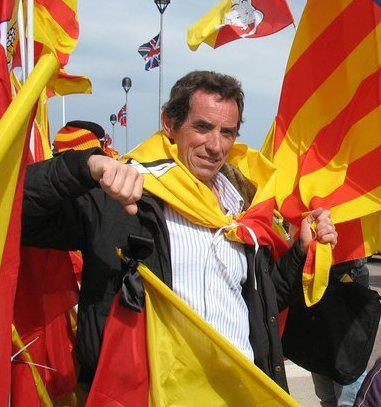 Lo scrittore Maurizio Castagna durante una manifestazione in Sicilia