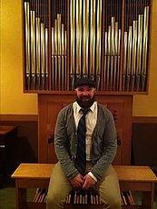 Organ Player 2.jpg