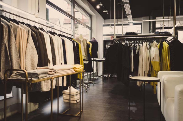 Damenmode im aschenbrenner fashion Store