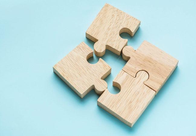 jigsaw-teamwork-concept-macro-shot_53876