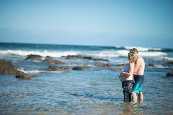 Beach pregnancy shoot