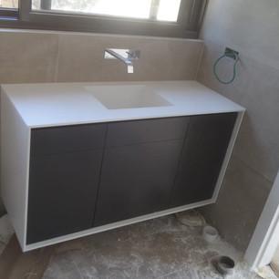 כיור קוריאן לאמבטיה מרובע קטן