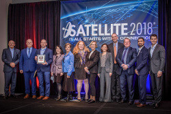 Steff Taylor of Spectra joins Inmarsat's Government team in accepting the MSUA Award at Satellite 2018