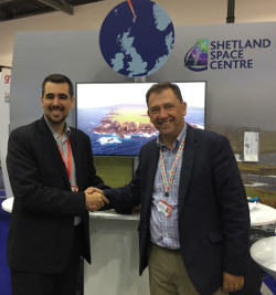 B2Space Co-founder Victor Montero with SSC Project Director Scott Hammond at the Farnborough International Airshow 2018