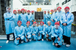 CARBONITE-2 with SSTL's core team engineers. Credit SSTL/Beaucroft Photograpy