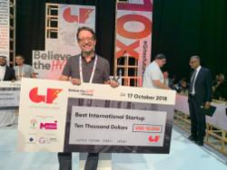 Anthony Baker, CEO Satellite Vu receives Supernova Challenge Award for Best International Startup
