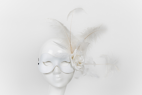 Fascination - White/Black Feather Mask
