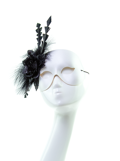 Monochrome Magic - White/Black Feather Mask
