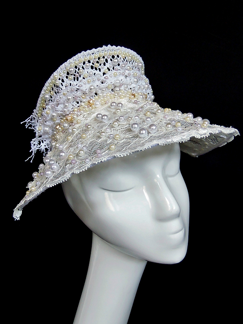 CAIRA - Royal Lace & Pearl Crown Headpiece