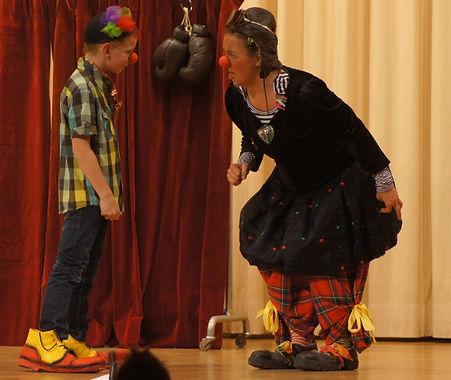 Clown Susi während der Aufführung in Wikon.