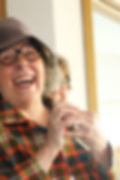 Clown Susi bietet verschiedene Figuren an: Clown Susi, Martha und Resi.