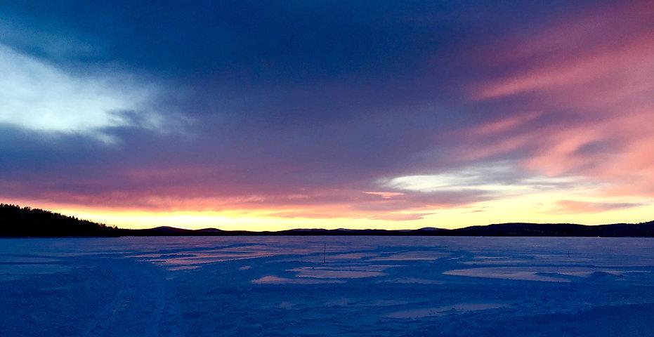 Polarnacht im finnischen Inari