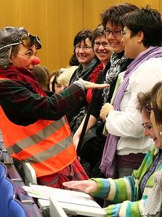 Clown Susi an der Lenzburger Tagung der Frauenzentrale Aargau mit Sara Stalder