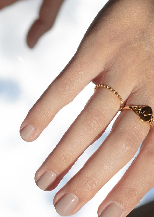 victorian-initial-ring-jewelry-stilnest-