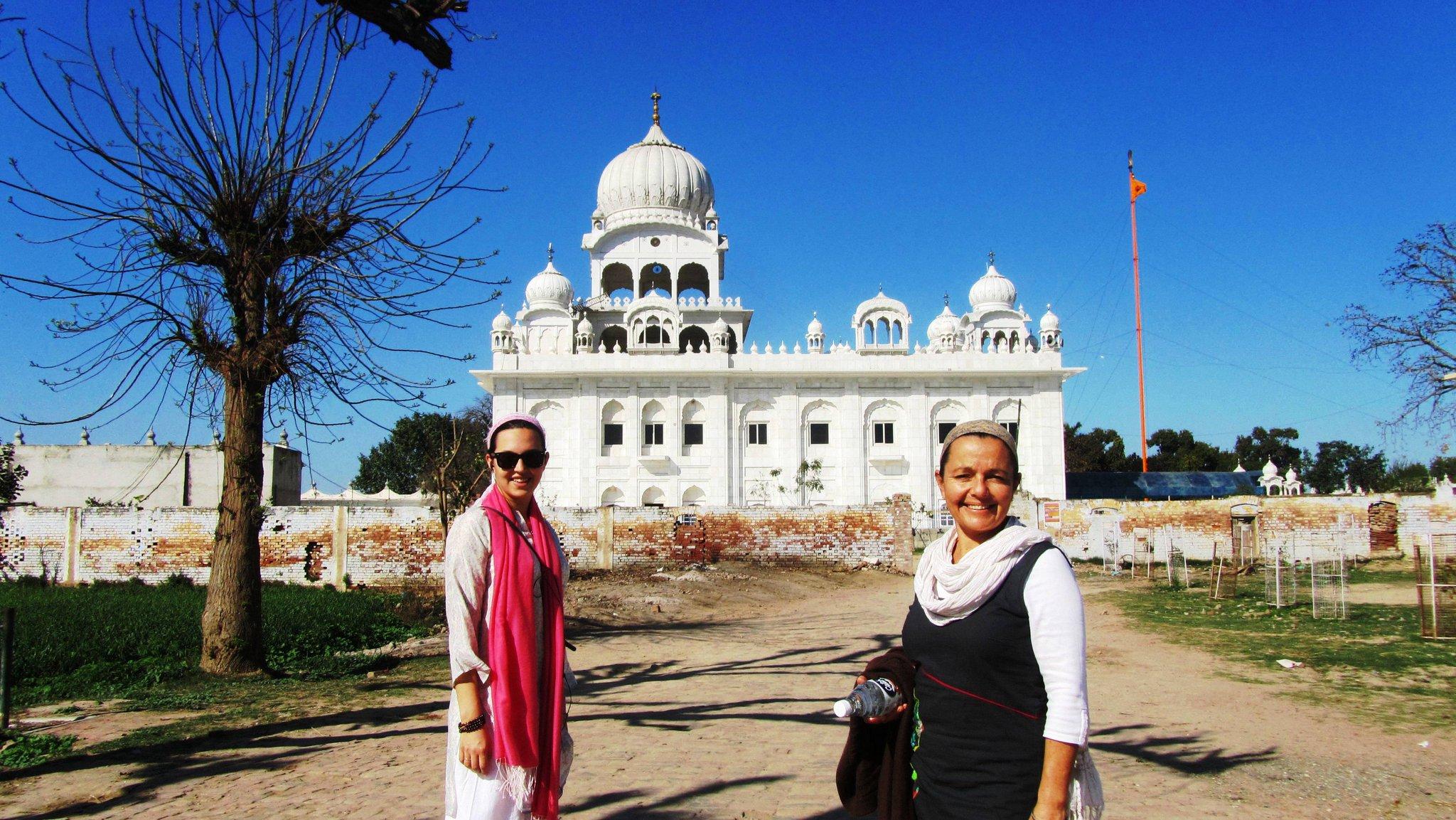 En la India, madre e hija
