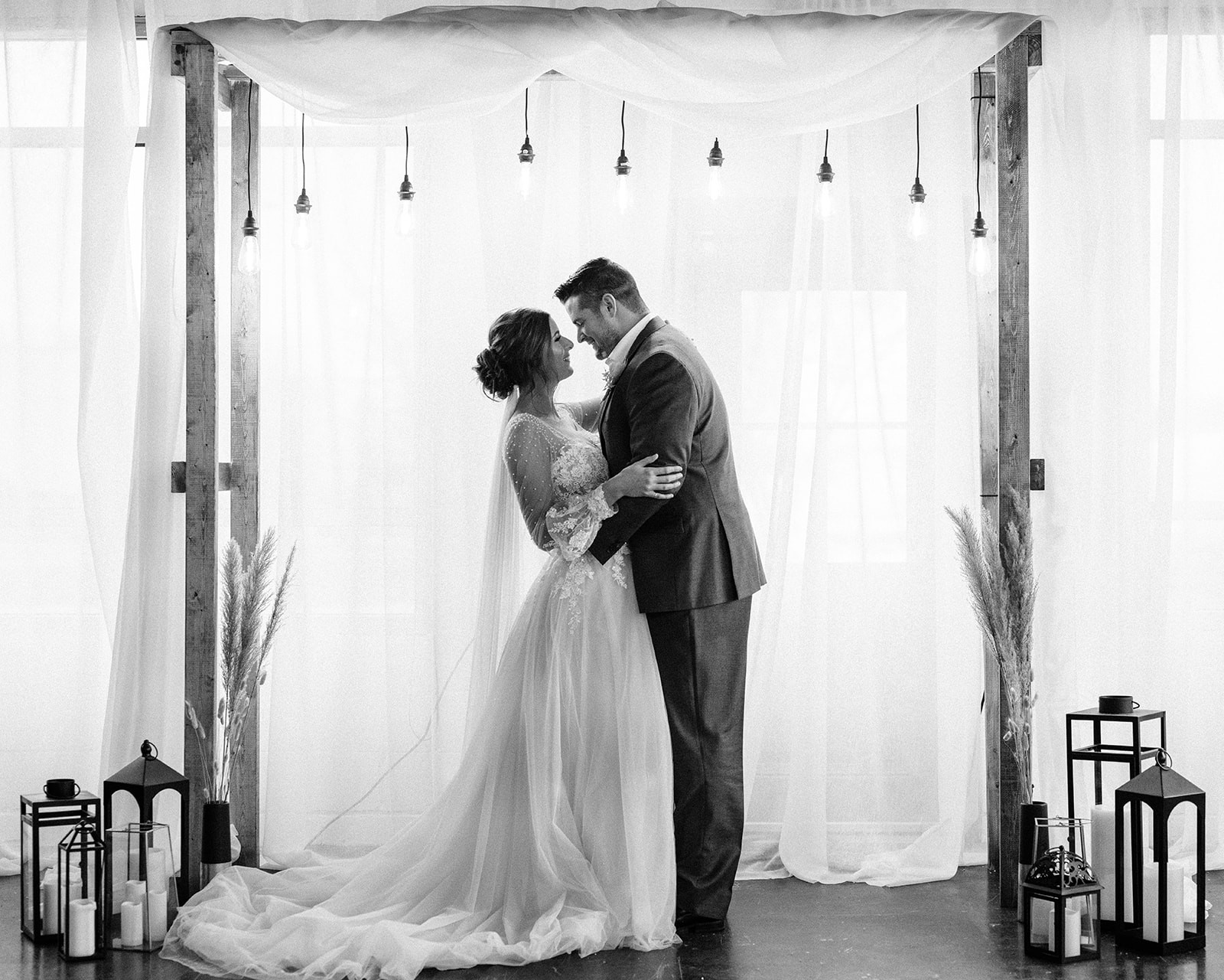 With Love Styled Shoot_bw_29.jpg