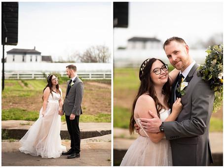 An Industrial Gamer Wedding    Indiana Wedding Photographer   Colin & Kim