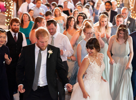 A guide to DJ's | Indianapolis Wedding Photographer | A Bride's Best Friend Blog