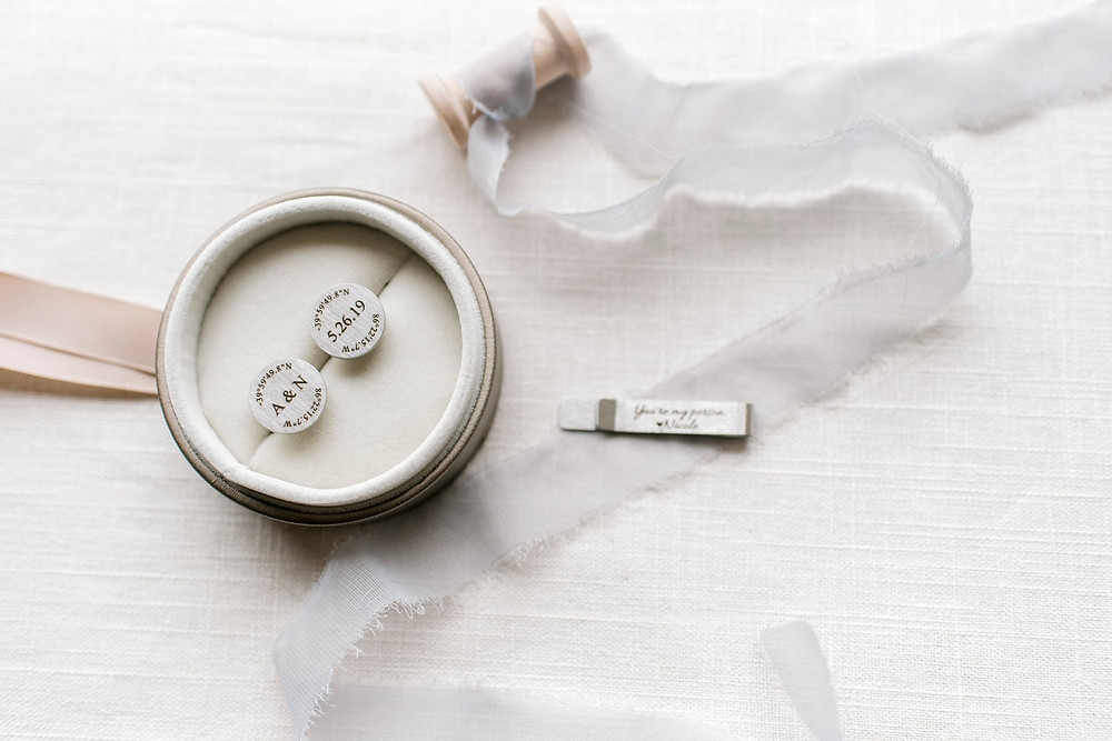 Custom cufflinks and tie clip