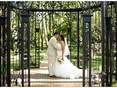 A Black Iris Estate Wedding    Indiana Wedding Photographer   Will & Courtney