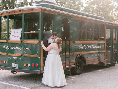 A Historic Fountain Square Wedding  | Indianapolis Wedding Photographer | Salvador & LaurieAnne