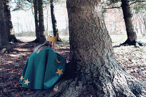 Emerald Cape with Antique Gold Crown