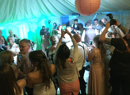 Disco & DJ Hire -10 questions you need to ask your DJ before booking.