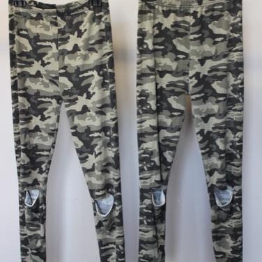 9_pantalons_à_motifs_militaires_volontai